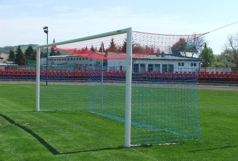 47eb9247bc Typ zariadenia  komplexné vybavenie futbalového štadióna - dodávka  športových sedadiel 3040 ks